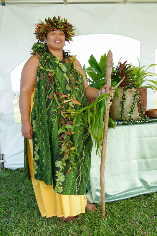 kahu dress for land blessing